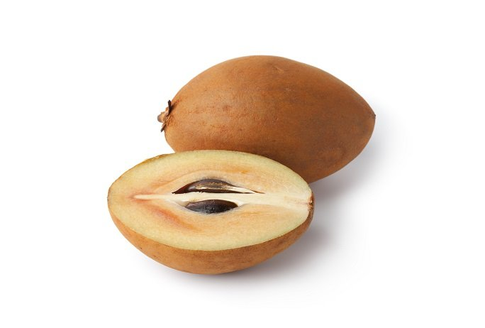 sapodilla fruit whole and cross section